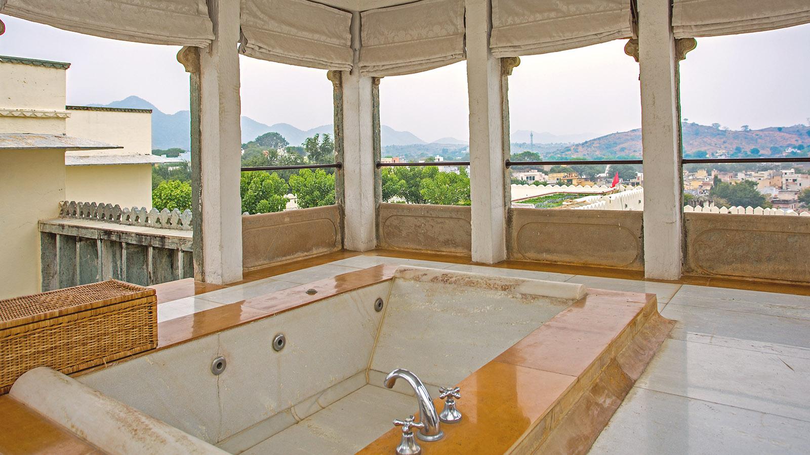 Devigarh-Suite-RAAS-Hotel-devigarh-Rajasthan-02