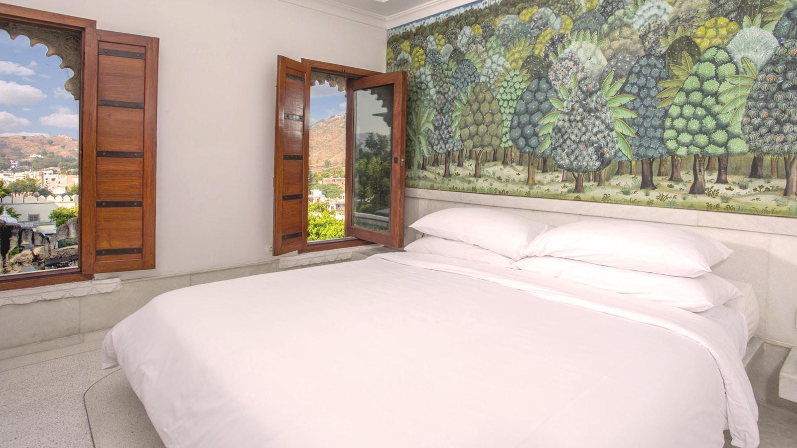 Palace-Suite-RAAS-Hotel-devigarh-Rajasthan-03