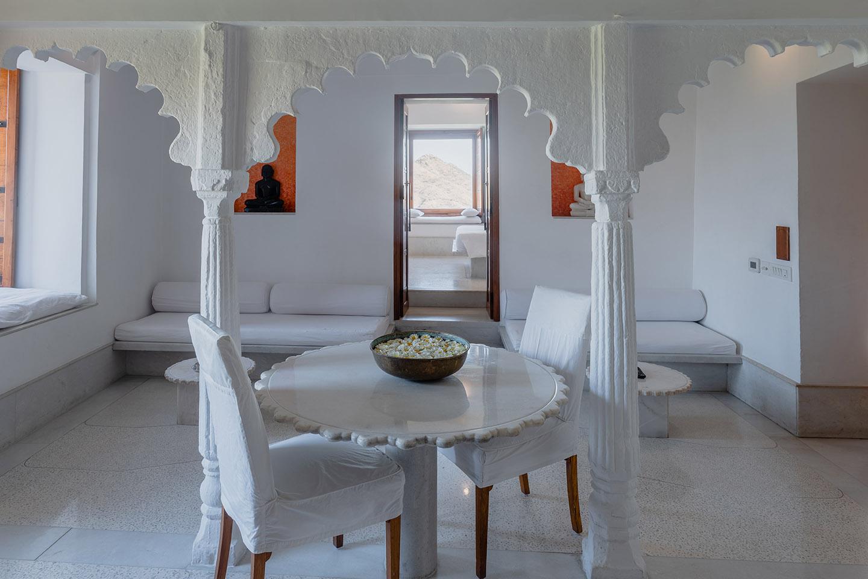 Aravali Suite . RAAS Devigarh